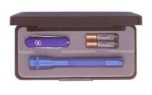 Mag-Lite Svítilna Maglite AAA modrá + nůž Victorinox